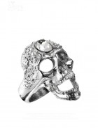 Массивное кольцо-череп с камнями Swarovski