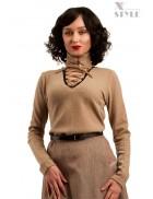 Шерстяной женский джемпер со шнуровкой и чокером