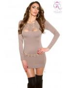 Вязаное платье с красивым декольте KouCla