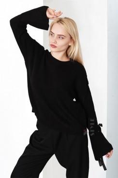 Черный женский свитер XT1173