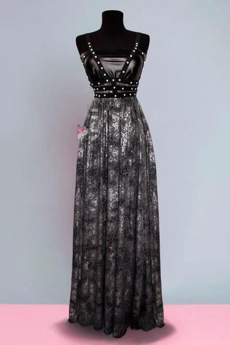 Длинное платье с портупеей и жемчугом (105218)