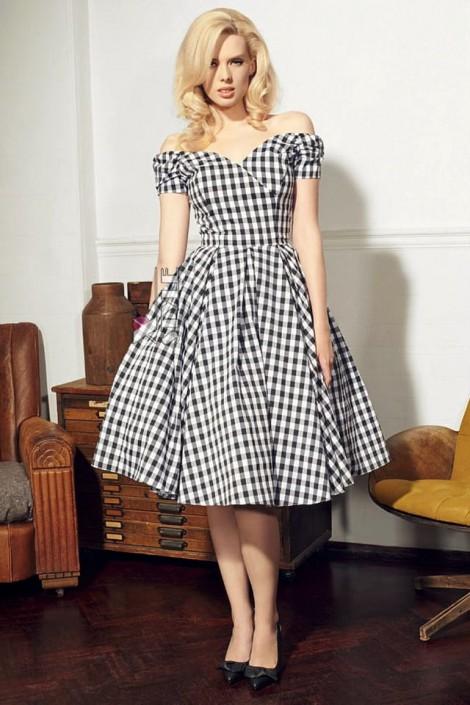 Клетчатое платье с открытыми плечами и поясом X5347 (105347)