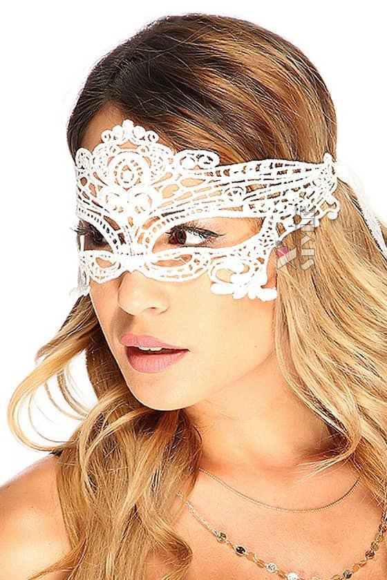 Белая кружевная маска 901002