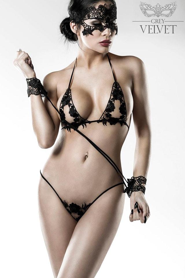 Сексуальное белье с наручниками и маской Grey Velvet