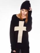 Свитер с крестом 111112
