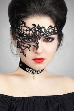 Асимметричная кружевная маска Artistic
