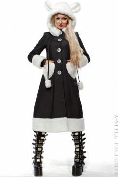 Зимнее пальто с капюшоном и ушками