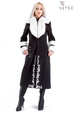 Зимнее пальто с мехом и вышивкой Xstyle