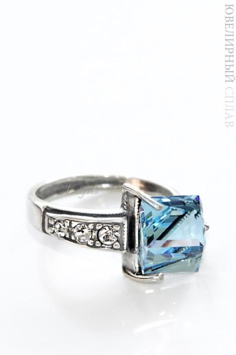 Кольцо с голубым Swarovski (jena16930)
