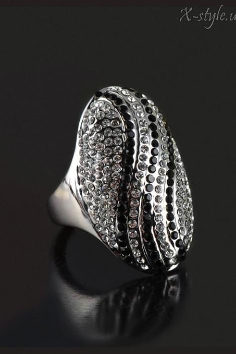 Овальное кольцо с камнями (708174)