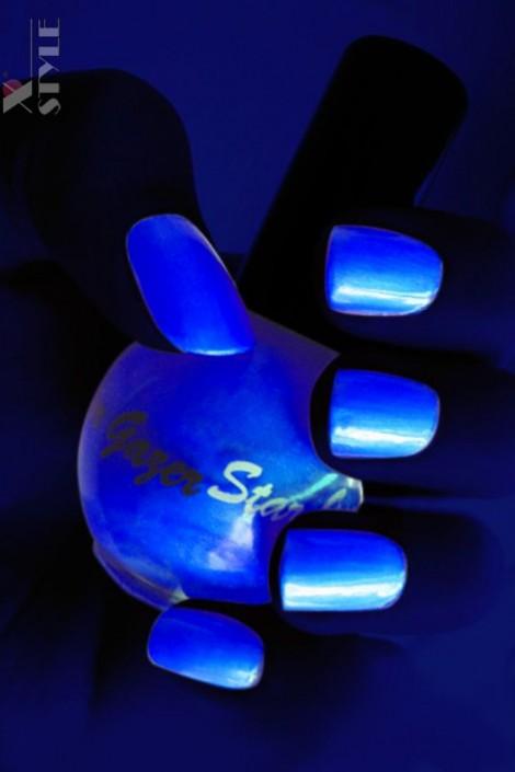 Неоновый синий UV-лак для ногтей Stargazer (130002)