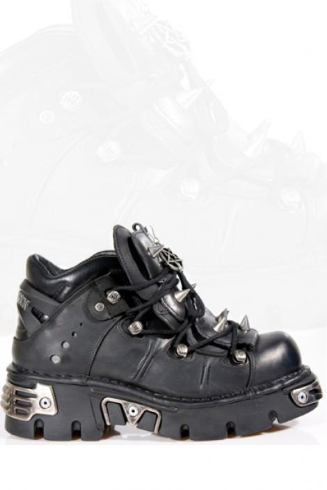 Ботинки с шипами и пентаграммой (110-S1)