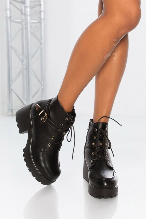 Ботинки женские на массивной подошве M10058 (310058)