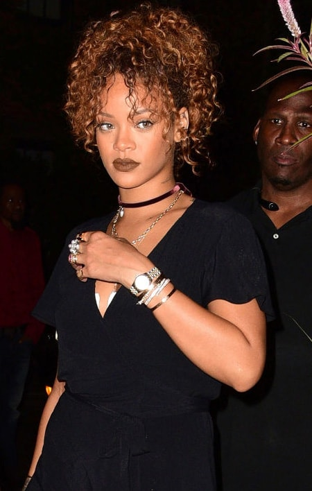 Rihanna wearing in choker