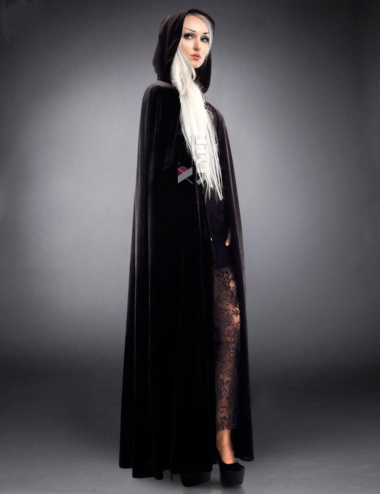 Длинная черная накидка