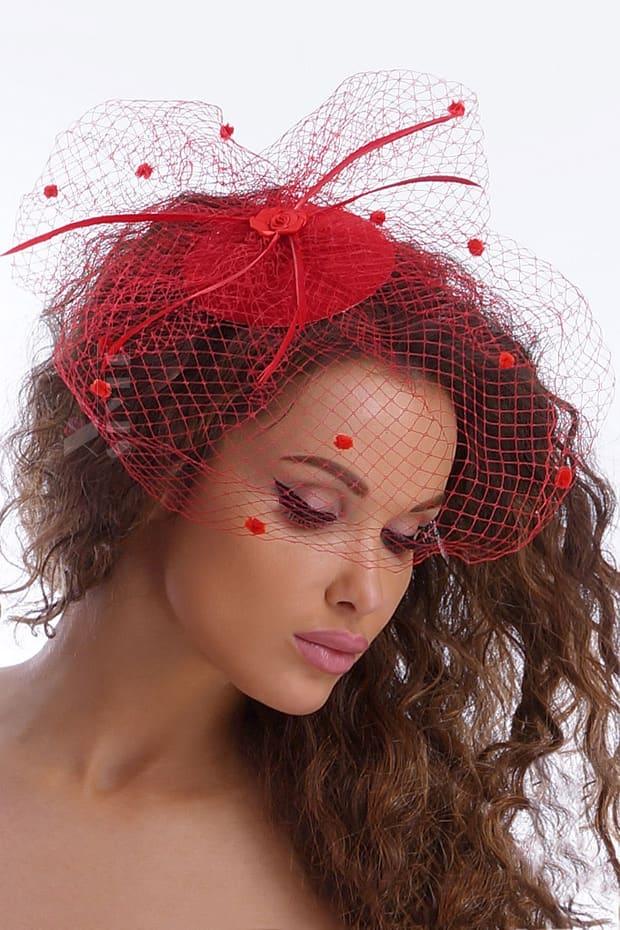 Красная шляпка с вуалью A2014