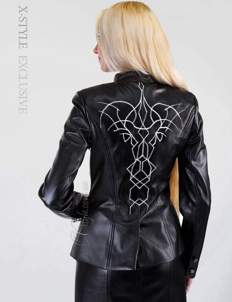 Кожаная куртка с вышивкой