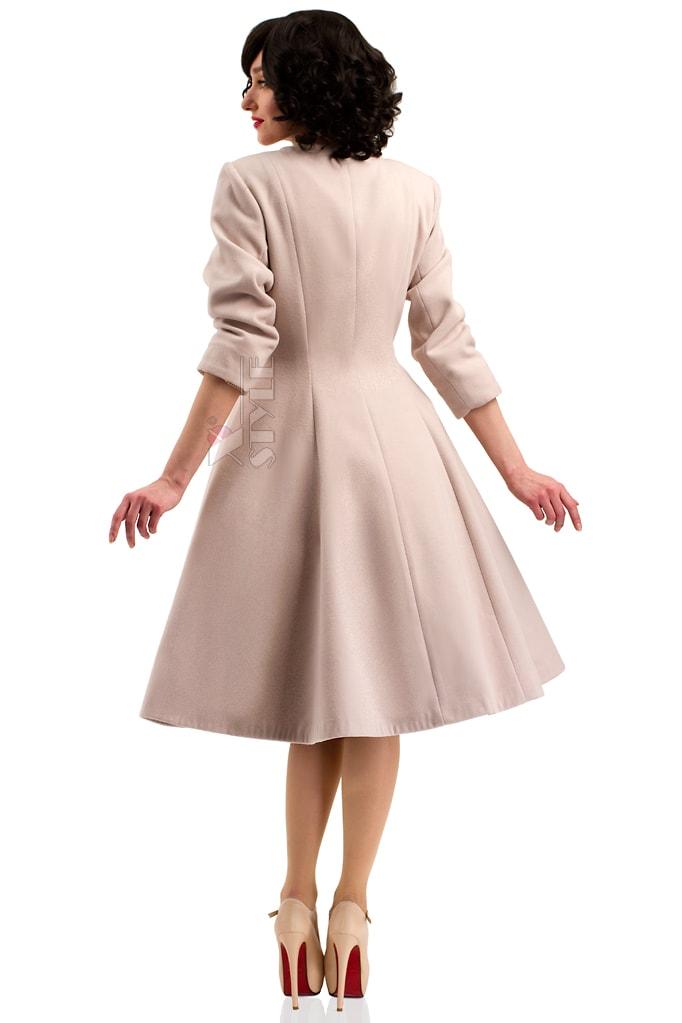 Пальто в стилі Ретро з хутряною горжеткою купити недорого в Києві ... 3b1c70dd4c249