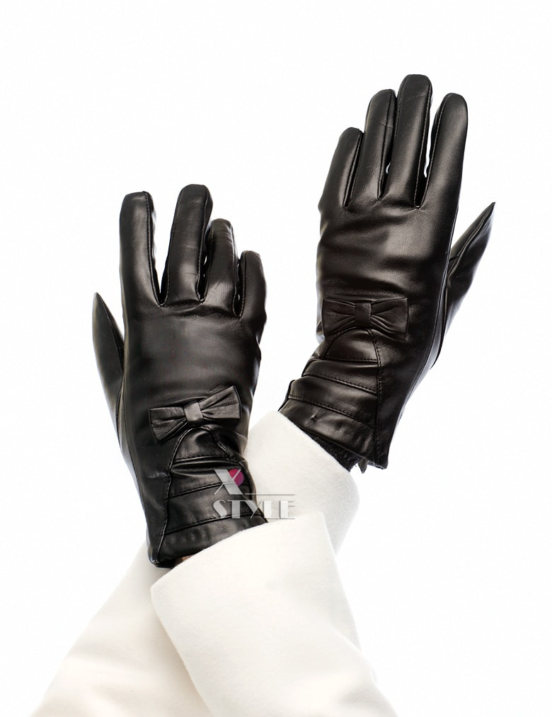 Зимние кожаные перчатки с мехом